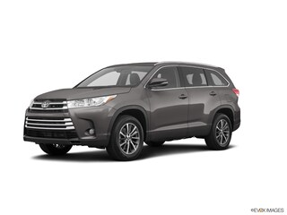 New 2019 Toyota Highlander 5TDKZRFH2KS339990 for sale in Chandler, AZ