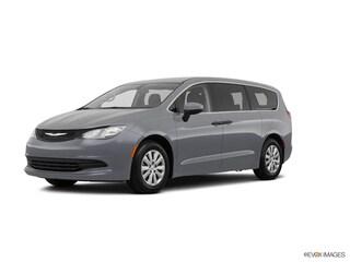 2020 Chrysler Voyager L Van Passenger Van