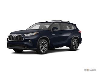New 2020 Toyota Highlander Hybrid XLE SUV for sale near you in Boston, MA