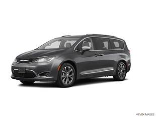 2020 Chrysler Pacifica Limited Mini-van, Passenger