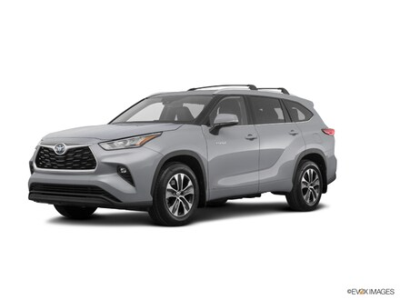 Featured New 2020 Toyota Highlander Hybrid XLE SUV for sale near you in Southfield, MI