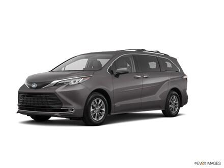 2021 Toyota Sienna XLE 8 Passenger (CVT) Front-wheel Drive Passenger Van