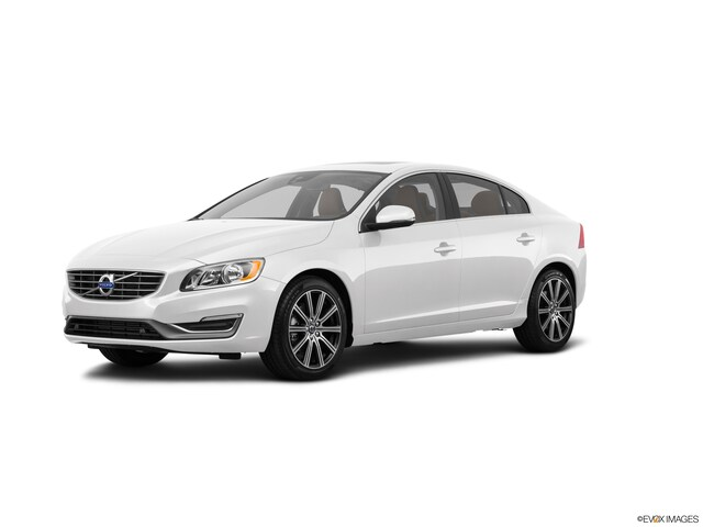 Featured Pre-Owned 2017 Volvo S60 T5 Inscription Sedan for sale in Hiawatha, IA