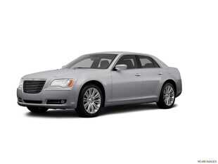2013 Chrysler 300C Base 5.7 V8 Hemi Sedan