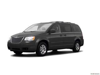 2009 Chrysler Town & Country Van