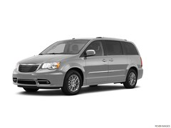 Bargain Used 2011 Chrysler Town & Country Touring Wagon 2A4RR5DG7BR771379 for sale in Effingham, IL