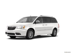 2011 Chrysler Town & Country 4dr Wgn Touring Mini-van, Passenger