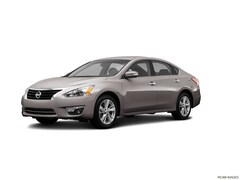 2013 Nissan Altima 4dr Sdn I4 2.5 SV Car For Sale in Westport, MA