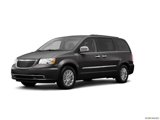Bargain used 2013 Chrysler Town & Country Touring (4dr Wgn Touring) Van for sale in Fort Myers