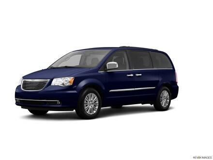 2013 Chrysler Town & Country Touring-L Van LWB Passenger Van