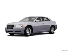 Used 2013 Chrysler 300 Sedan for sale in Starkville, MS