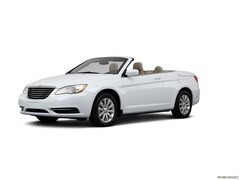 Used 2013 Chrysler 200 Touring Convertible for sale in Yorkville, NY