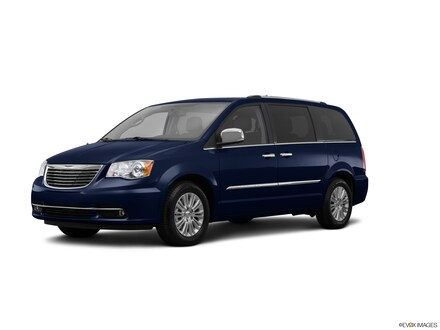 Used 2014 Chrysler Town & Country Limited Van for sale in Washington, IN