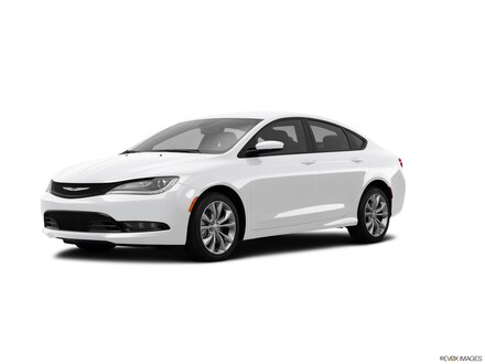 2015 Chrysler 200 S Car