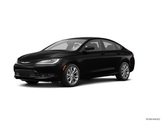 Certified Pre-Owned 2016 Chrysler 200 4dr Sdn S FWD Car Grants Pass, OR