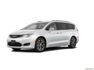 2017 Chrysler Pacifica Limited Minivan