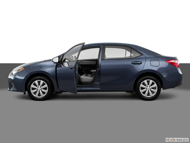 2016 Toyota Corolla LE w/ Entune Audio Bluetooth & Backup Camera Sedan
