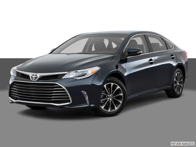 2017 Toyota Avalon XLE Sedan