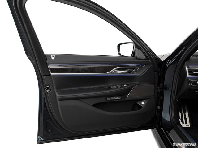 2018 BMW 740e Sedan