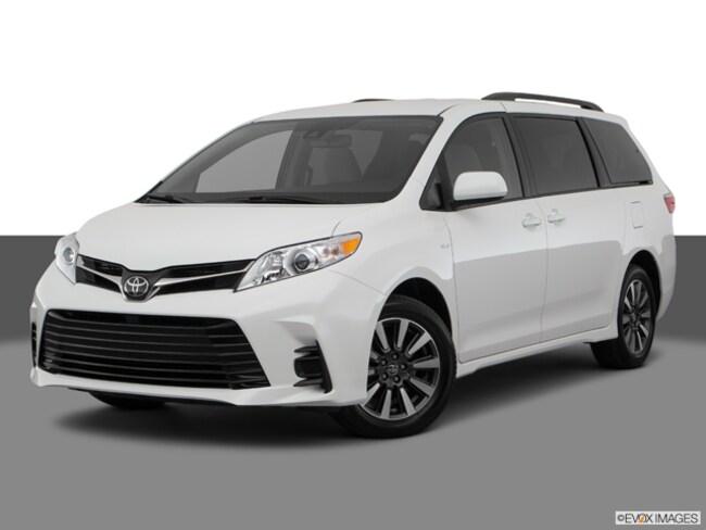 New 2018 Toyota Sienna Van Passenger Van Framingham