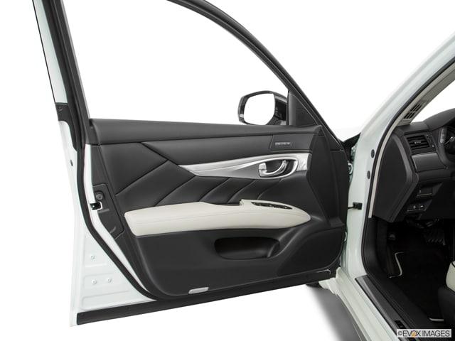 2018 INFINITI Q70L Sedan