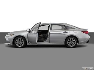 2019 Toyota Avalon Hybrid XLE Sedan