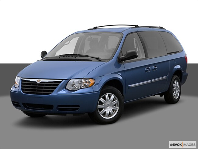 Used 2007 Chrysler Town & Country Touring Van for Sale in London, KY & Corbin, KY.
