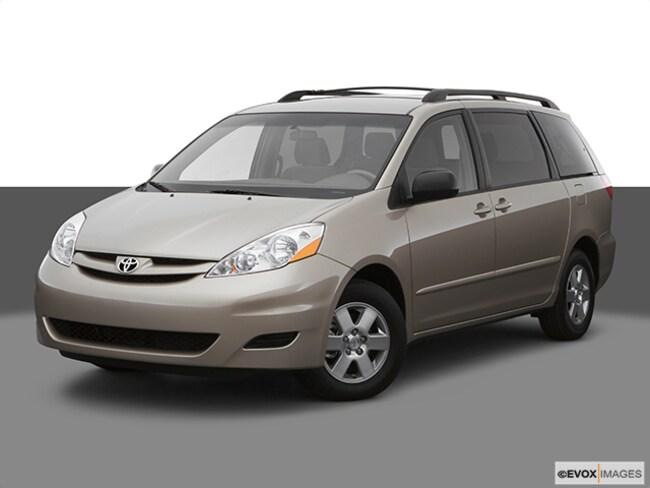 2007 Toyota Sienna XLE Van