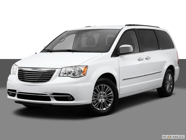 2014 Chrysler Town & Country Van
