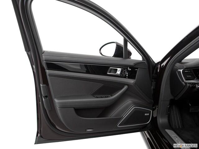 2020 Porsche Panamera Sedan