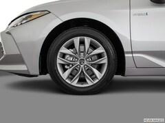 2021 Toyota Avalon Hybrid XLE Sedan