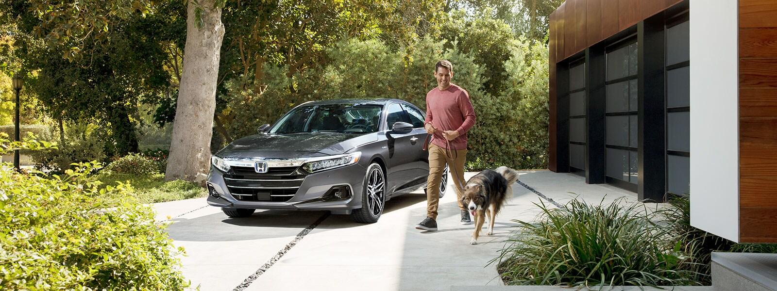 https://images.dealer.com/graphics/2021/Honda/v11_1600x600/Accord-Hybrid-Sedan_02.jpg