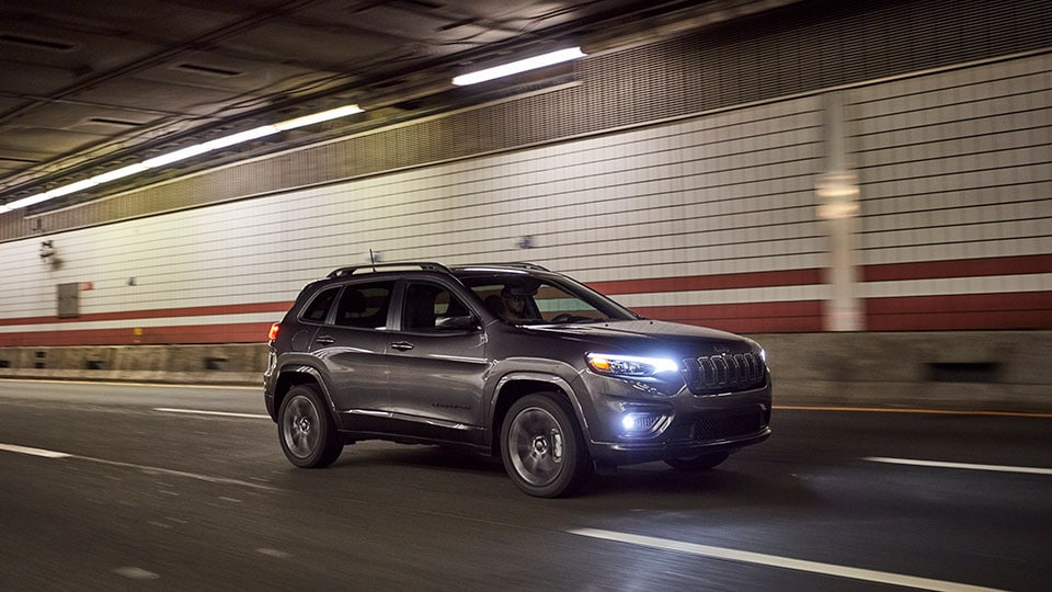 2021 Jeep Cherokee Driving Through Tunnel