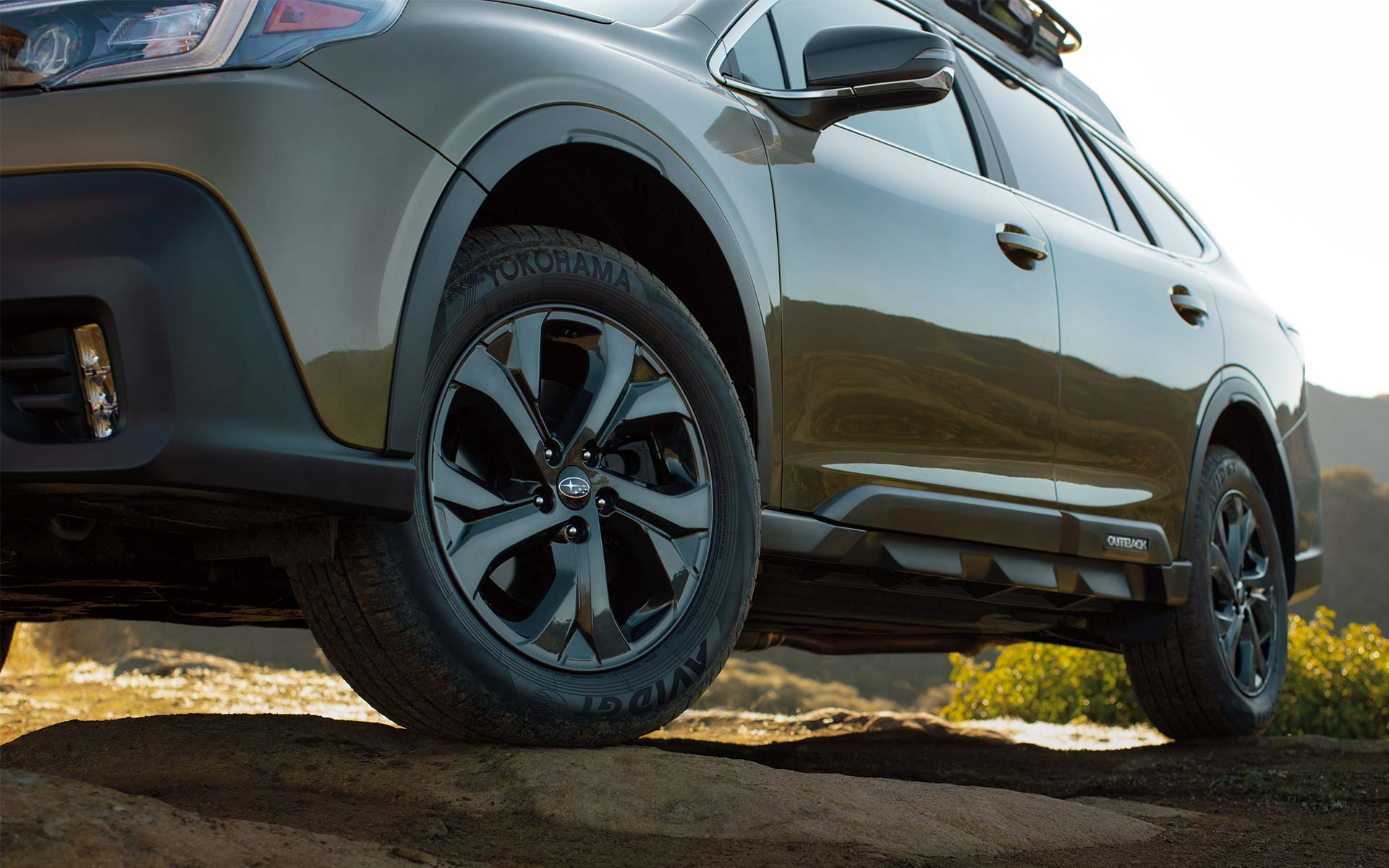 A close-up of the standard 18-inch alloy wheels on the 2022 Subaru Onyx Edition XT.